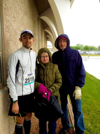 With my mom and dad just before the start. Thanks for standing in the rain all morning for me!
